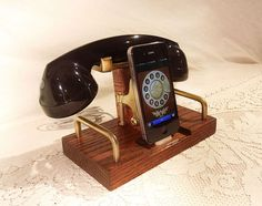 iPhone Dock Features Retro Telephone Bluetooth Headset