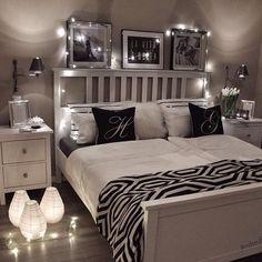 Stunning bedroom   Credit: @gozdeee81  #details #decor #decorated #style #styling #love #bedroom #interior #design #designer #glamerous #black #white #stunning #inspiration