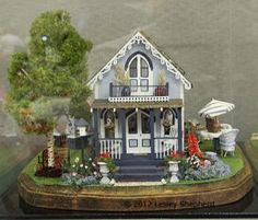 1:48 Scale Projects from the Fall 2012 Seattle Dollhouse Show: Great Detail in a Kit by Debbie Young