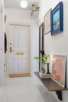 Övre Djupedalsgatan Apartment by Johanna Tant Interior Inspiration, Room Inspiration, Home Interior, Interior Decorating, Decorating Ideas, White Floorboards, I Coming Home, Living Styles, Cozy House