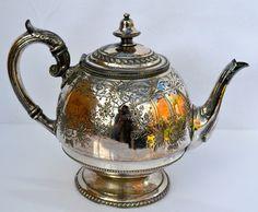 DECORATIVE Edwardian Silver Plated Teapot - Sheffield 1910