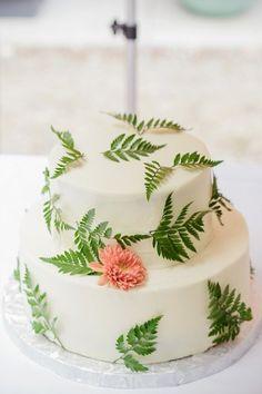 Fern decorated two tier wedding cake | Botanical | Wedding Inspiration | Wedding Idea http://www.stylemepretty.com/michigan-weddings/2015/04/21/rustic-chic-michigan-cabin-wedding/ | PHotography: Tuan H Bui - http://www.tuanb.com/