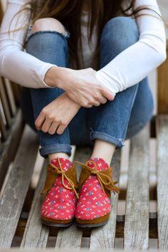 DIY Clothes DIY Refashion DIY fabric shoe attachments