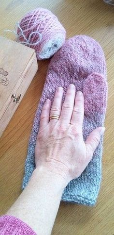 Ravelry: Annsofie's felted mittens pattern by Annsofie Petersson Felted Slippers Pattern, Knitted Mittens Pattern, Fingerless Gloves Knitted, Crochet Mittens, Easy Knitting Patterns, Knitting Kits, Knitting Socks, Hand Knitting, Knitted Hats