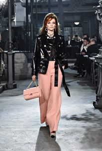 The looks of Paris in Rome 2015/16 Métiersd'Art Ready-to-wear collection on the CHANEL official website