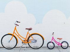 Embrace a bike (and baby's) day out. Spend a day visiting neighbors, bouncing between playgrounds, you name it. Make sure, though, that you end it with a great picnic at the park (popsicles optional but highly desired). // Click to see all 5 Retro-Inspired Summer Activities for Kids on the Free Babes Handmade blog