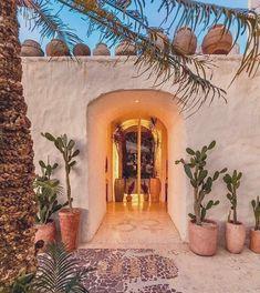 Spanish Style Homes, Spanish House, Bali, Bungalows, Ibiza, Greek House, Desert Homes, Mediterranean Decor, Village Houses