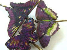 Violet et la chaux en bois verts papillons par NewellsJewels, £5.00