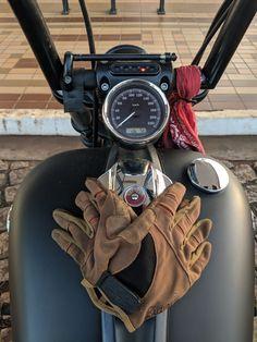 Somente perca tempo abastecendo. Harley Davidson, HD, Breakout, Ape Hanger, Gloves