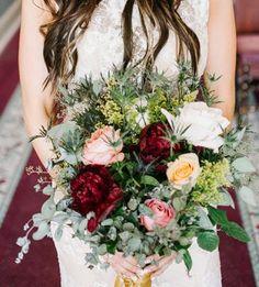 How to Save Money on Wedding Flowers   #weddingflowers