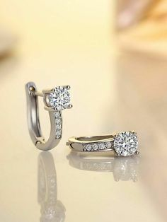 DTJEWELS 14K Yellow Gold Plated Sterling Silver Three Stone Nose Pin for Womens /& Girls CZ Diamond