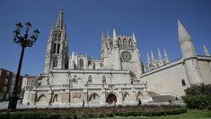 Catedrales góticas en España: catorce insuperables pilares de  la tierra.  Una de las más bonitas es la Catedral de Burgos. #Arte gótico #Catedral de España