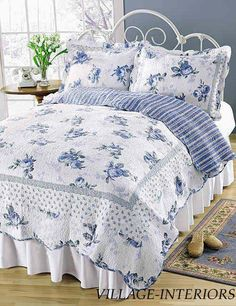 Quilt Blossom Blue Roses on White Romantic Shabby Chic Bedding Shabby Chic Bedrooms, Shabby Chic Homes, Shabby Chic Decor, Chic Bedding, Luxury Bedding, Bedding Sets, Luxury Curtains, Elegant Curtains, Vintage Curtains