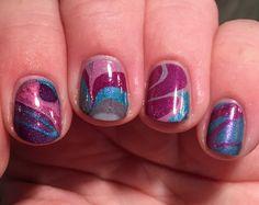 water marbling nails!! ahh so pretty... 😍
