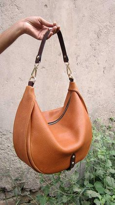 Pumpkin Big Caro, Chiaroscuro, India, Pure Leather, Handbag, Bag, Workshop Made, Leather, Bags, Handmade, Artisanal, Leather Work, Leather Workshop, Fashion, Women's Fashion, Women's Accessories, Accessories, Handcrafted, Made In India, Chiaroscuro Bags - 2
