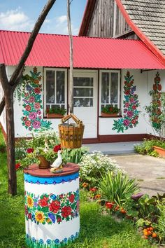 The Painted Village of Zalipie, Poland - Country Living Poland Country, Beautiful Homes, Beautiful Places, Polish Folk Art, House Painting, Interior And Exterior, House Design, Outdoor Decor, Home Decor