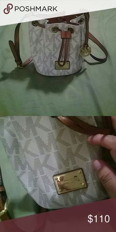 Small MK crossbody. Is beautiful  , barely used MK Bags Crossbody Bags