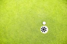 Improve your golf game and add value to your house all in one swing with a backyard putting green. While it is possible to create your own backyard putting green with real turf, synthetic is frequently the more favorable option. Home Putting Green, Backyard Putting Green, Putting Green Turf, Golf Green, Miniature Golf, Astro Turf, Backyard Furniture, Artificial Turf, Outdoor Living
