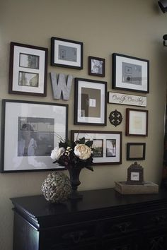 Love the frame's and color Picture Layouts, Wall Collage, Collage Ideas, Family Pictures, Art Pictures, Photo Arrangement, Picture Arrangements, Frame Arrangements, Photo Mural