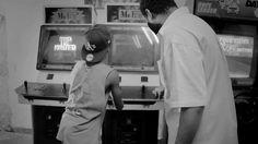 """Baseado na filosofia """"A vida é só um detalhe"""", o vídeo foi gravado nas Ocupações Mauá e Prestes Maia e em ruas próximas à Estação da Luz. Com um discurso nostálgico, o clipe foi dirigido por Ferd Ouro Preto."""
