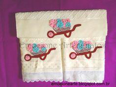 Jogo de toalhas bordadas