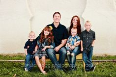 What to Wear: Family Photos. By Clarissa Stagg Photography.
