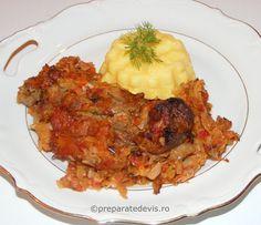 Varza noua cu carne de porc Risotto, Chicken, Meat, Cooking, Ethnic Recipes, Food Ideas, Pork, Kitchen, Cubs