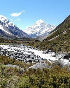 Mt Cook still with a heap of snow. Can't beat it on the perfect day. Pic: @jamjamwood #hakatours _________________________________ @purenewzealand #mtcook #seasons #nz #travel #newzealand #kiwi #instatravel #travelgram #spring #nature #northisland #southisland #aotearoa #NZMustDo #sceneryporn #RealMiddleEarth #cold #ourplanetdaily #neverstopexploring #lonelyplanet #splendid_earth #tourtheplanet #beautifuldestinations #igbest_shotz #naturelovers #roamtheplanet #worldshotz #wanderlust #ope...