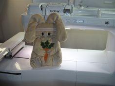 Aprendendo O Coelho Bolsinha ( Bunny ) - YouTube