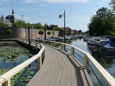 Combineer een bezoek aan De blauwe Deel met een wandeling door glasstad Leerdam.
