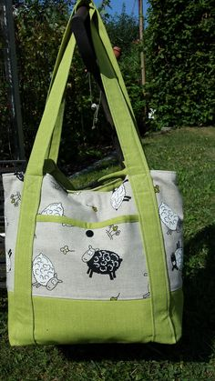 "Bag ""Svea""- Tasche ""Svea"" A beautiful bag ""Svea"" by Karin. Here is the pattern: www. My Bags, Purses And Bags, Tote Bags, Track Bag, Diy Accessories, Beautiful Bags, Travel Bags, Diaper Bag, Sewing Projects"