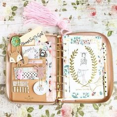 Find images and videos about ideas, planner and filofax on We Heart It - the app to get lost in what you love. Cute Planner, Happy Planner, Kate Spade Planner, Deco Rose, Cute Stationery, Stationary, Cute School Supplies, Planner Organization, Planner Stickers