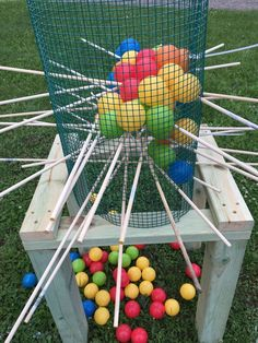 You are viewing giant kerplunk this set is perfect for parties, company functions, holiday events, weddings and even just by the camp fire. Kit (1) Stand made sturdy fur pine and measures 2 1/2 feet (