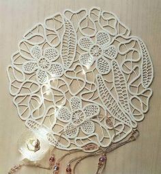 Flower and leaves using Romanian Point Lace Crochet