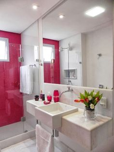 Inspiração décor de banheiros – pastilhas de vidro como revestimento