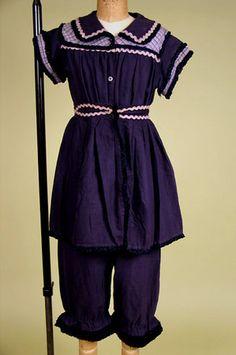Lady's Wool Bathing Costume, England, c. 1904  Session 2 - Lot 898