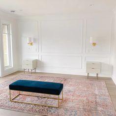 Living Room Carpet, Rugs In Living Room, Home And Living, Living Room Decor, Home Room Design, Home Interior Design, Living Room Designs, Home Bedroom, Bedroom Wall