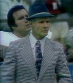 Offensive guard John Niland (76) with Coach Tom Landry--Dec. 30, 1973 NFC Final
