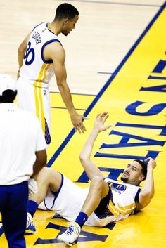 San Francisco, featuring articles about Christmas Lights, Mookie Betts, Yosemite National Park. Basketball Memes, I Love Basketball, Basketball Players, Golden State Warriors Wallpaper, Stephen Curry Family, Golden State Warriors Basketball, 2018 Nba Champions, Curry Warriors, Splash Brothers