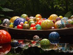 Another Chihuly glass boat, this time with sphere shaped glass as opposed to elongated glass. I really love all the colors and textures on the balls and how the reflection looks in the water!
