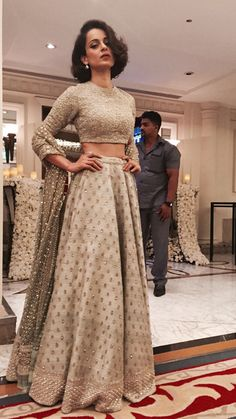 Kangana Ranaut in a sabyasachi lehenga. Love the subtle elegance of this lehenga. - Kangana Ranaut in a sabyasachi lehenga. Love the subtle elegance of this lehenga and her hairstyle! Bollywood Mode, Indian Bollywood, Bollywood Fashion, Bollywood Lehenga, Indian Wedding Outfits, Pakistani Outfits, Indian Outfits, Wedding Dresses, Hair Wedding
