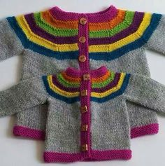 Little Right as Rainbow pattern by Stephanie Lotven Ravelry: Right as Rainbow Baby Cardigan pattern de Stephanie Lotven Baby Sweater Patterns, Baby Cardigan Knitting Pattern, Knitted Baby Cardigan, Knit Baby Sweaters, Knitted Baby Clothes, Baby Knitting Patterns, Baby Patterns, Toddler Cardigan, Cardigan Bebe