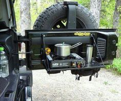 Awesome Jeep Wrangler Camping Accessories - Share this image!Save these jeep wrangler camping accessories for later by sh Jeep Tj, Jeep Mods, Jeep Wranglers, Jeep Wrangler Camping, Jeep Truck, Jeep Rubicon, 2003 Jeep Wrangler, Jeep Wrangler Interior, Jeep Camping