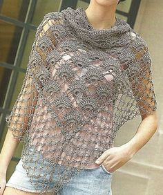 Tina's handicraft : 65 different ideas for children's poncho Poncho Au Crochet, Mode Crochet, Knitted Shawls, Crochet Scarves, Crochet Clothes, Crochet Lace, Crochet Stitches, Crochet Patterns, Crochet Gratis