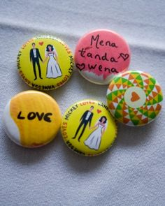 Button Wedding Favors with button maker for guests to create their own.