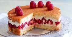 Recette framboisier rapide Make a delicious raspberry in just a few minutes: very easy to make, you Köstliche Desserts, Delicious Desserts, Dessert Recipes, Raspberry Recipes, Fermented Foods, Chefs, Sweet Recipes, Cheesecake, Food And Drink