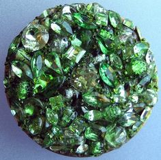vintage compact - green stones