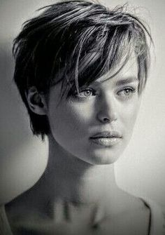 Short Hair With Layers, Short Hair Cuts For Women, Short Hair Styles, Haircut For Square Face, Pixie Cut Square Face, Square Face Short Hair, Choppy Hair, Grunge Hair, Great Hair
