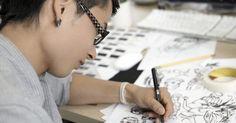 Técnicas de dibujo y representación. Si deseas dibujar un retrato u objeto o quieres representar el punto de vista de un edificio, hay una serie de diferentes técnicas que puedes utilizar. La técnica de dibujo que decidas depende de cómo quieres que se vea tu dibujo. Varias técnicas se usan para hacer que tus dibujos parezcan más realistas, mientras que otras son más aptas para las ...