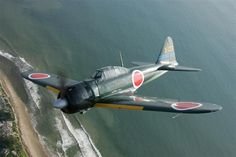 Badass, agile Japanese fighter that gave American pilots a lot of trouble. Japanese pilots were insane Ww2 Aircraft, Fighter Aircraft, Military Aircraft, Fighter Jets, Imperial Japanese Navy, War Thunder, Aircraft Painting, Ww2 Planes, Vintage Airplanes